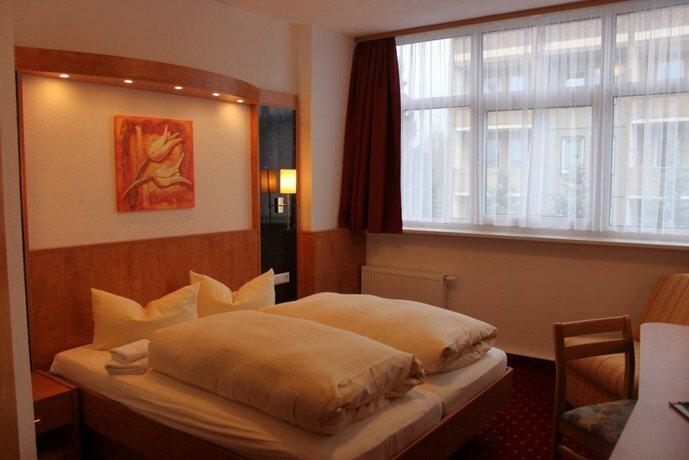 Aara Hotel