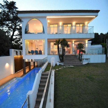 Gaudi Vilanova Hlclub House Hutb-038675