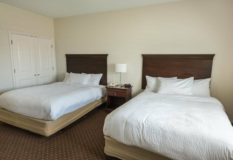 The Landmark Inn & Suites