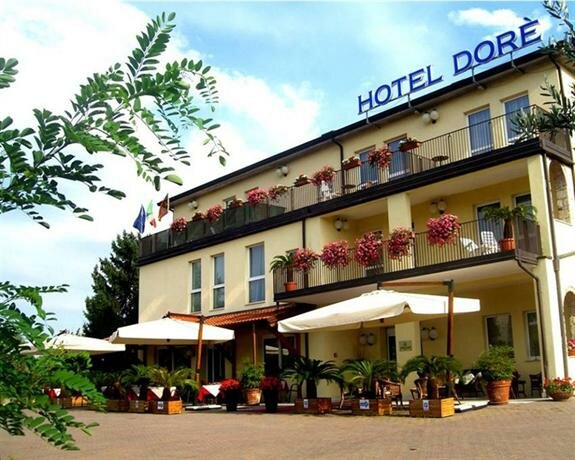 Hotel Dore