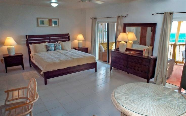 Rendezvous Bay Hotel