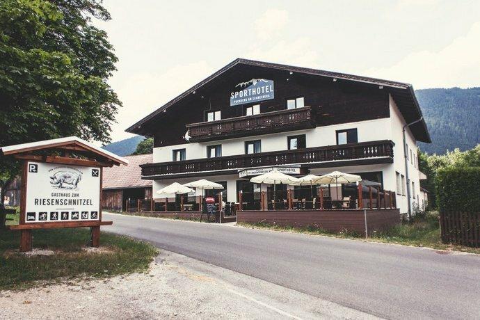 Sporthotel Puchberg am Schneeberg