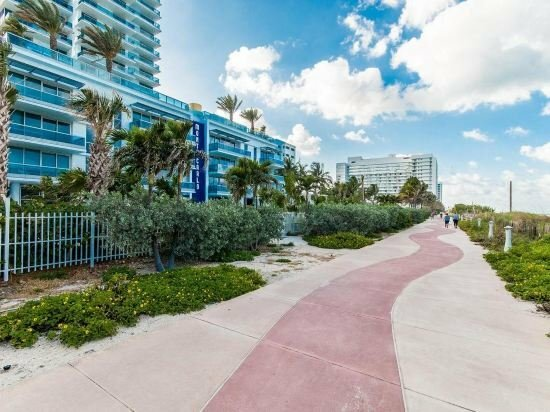 Pelican Stay Furnished Apartments In Monte Carlo Miami Beach