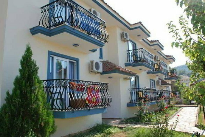 Gurol Aqua Resort Hotel & Apartments