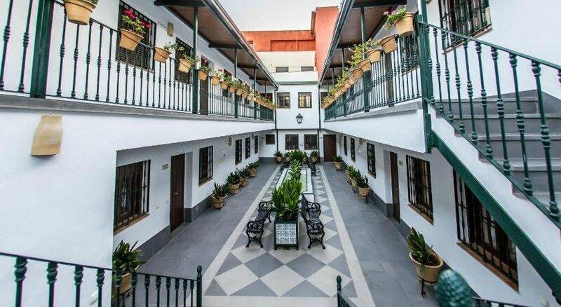 Hotel Triana Montalván