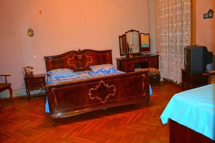 Guest House on Tamar Mepe Street 19