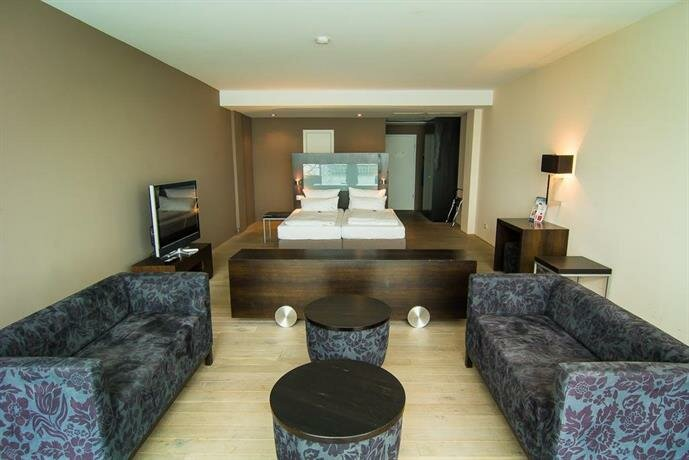 Aika Seaside Living Hotel