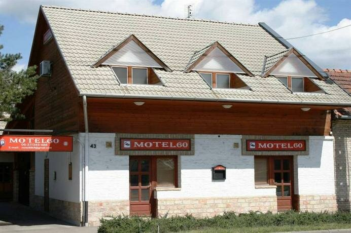 Motel 60