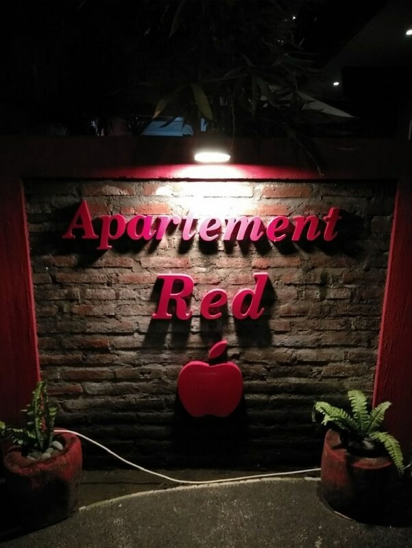 Red Apple Apartment