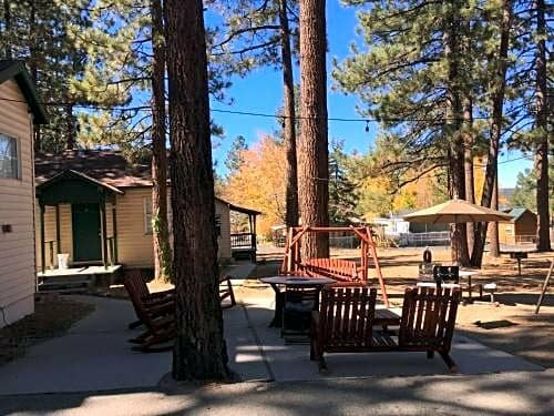 Lakewood Cabins