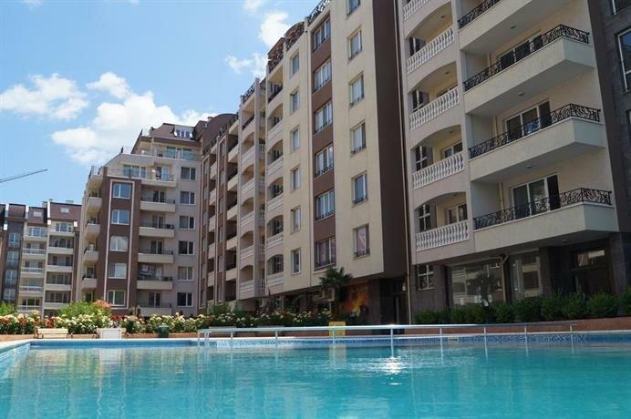 Luxory Apartment in Perla Complex