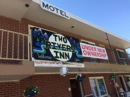 Two Rivers Inn