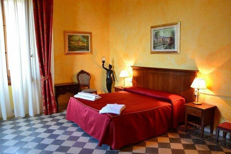 Stefania Rooms