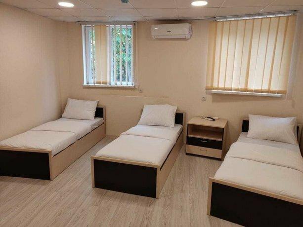 Shree Gopal Gayatri Lok - Deluxe Hotel