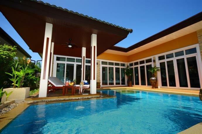 Rawai Private Villas - Pool and Garden