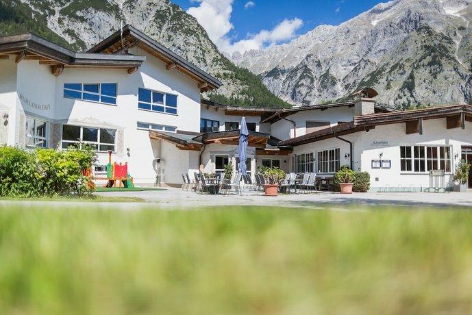 Tirol. Camp Leutasch