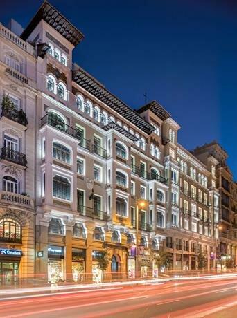 Отель Catalonia Gran VIA