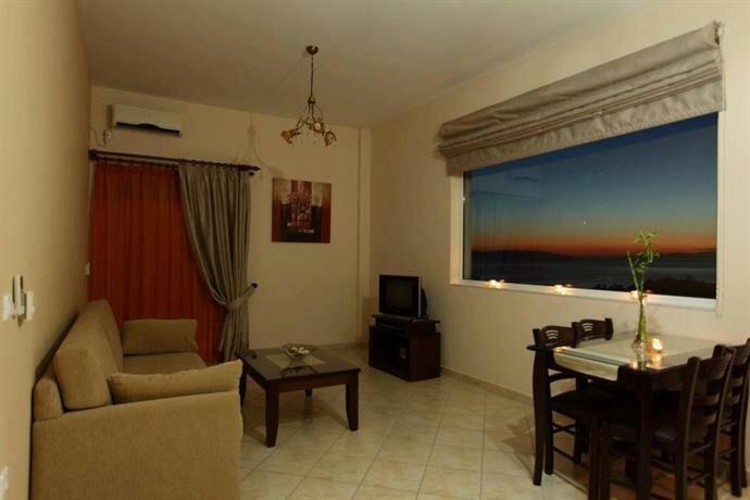 Pantheon Hotel & Suites