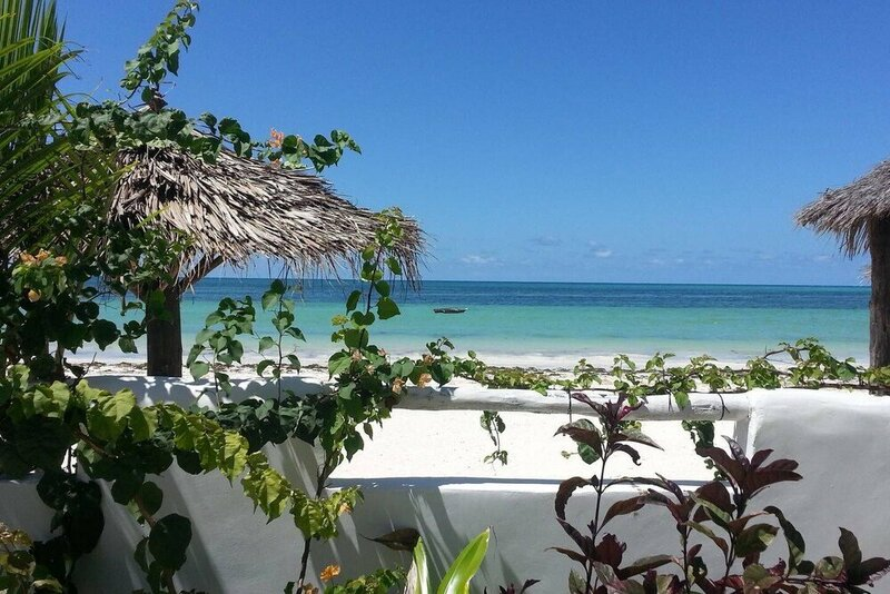 Villa - Right on the Beach, Under the Coconut Trees, Sleeps 10, Pool, Chef