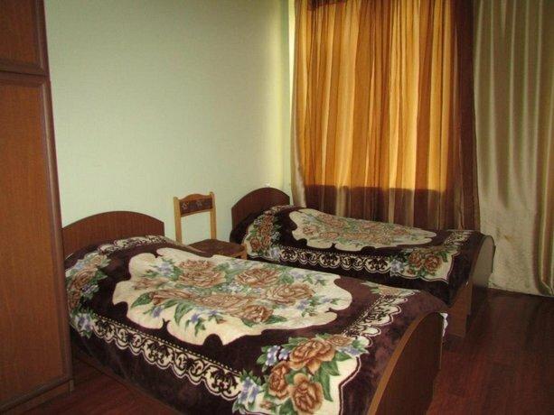 Guest House On Mashtoc 47