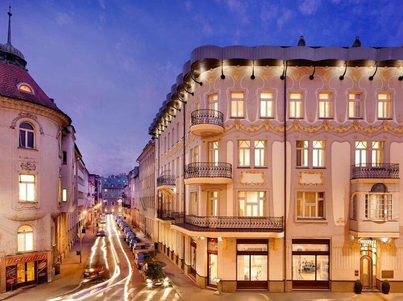Roset Hotel & Residence