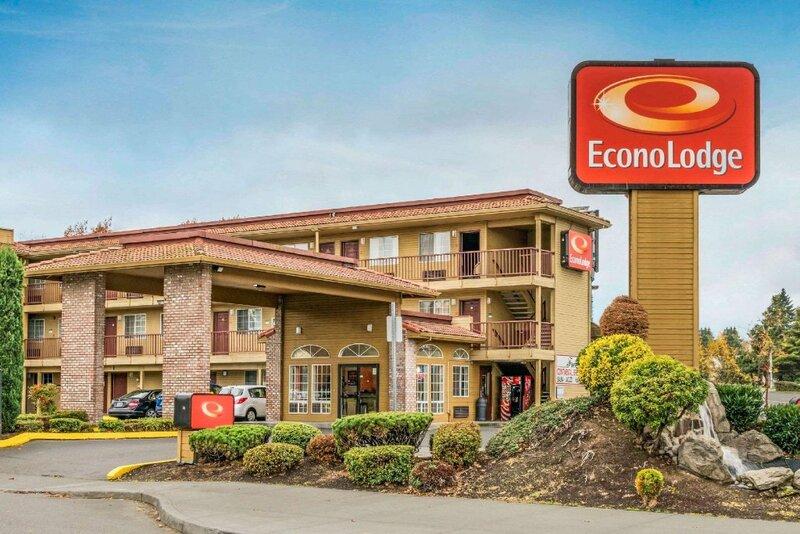 Econo Lodge at Port of Portland