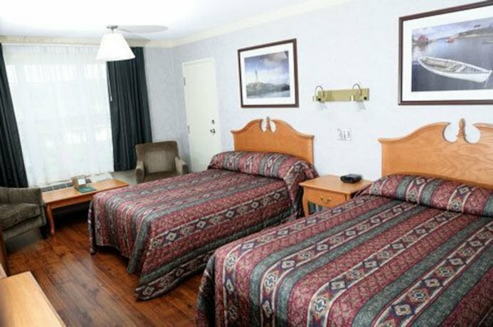 Claymore Inn and Suites