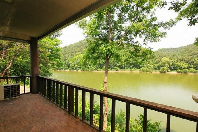 Gyeongju Lakeside Waltz Pension