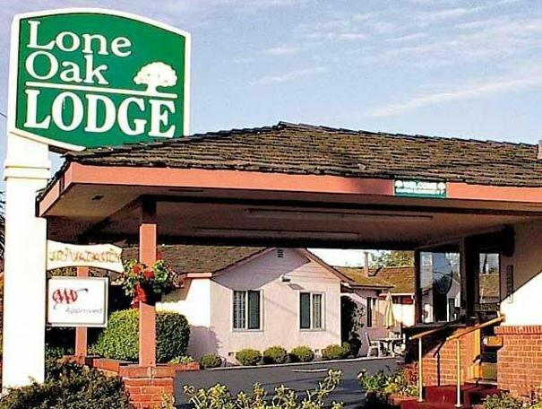 Lone Oak Lodge
