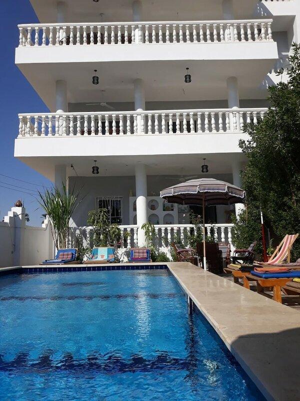 Luxor Star Apartments