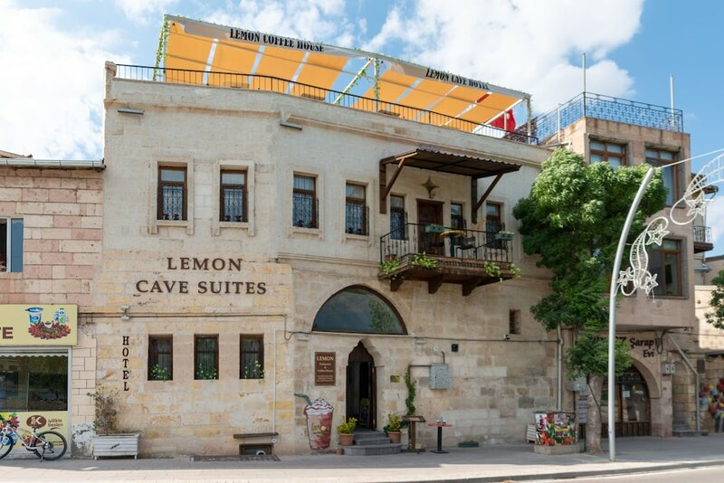 Lemon Cave Suites And Coffee House
