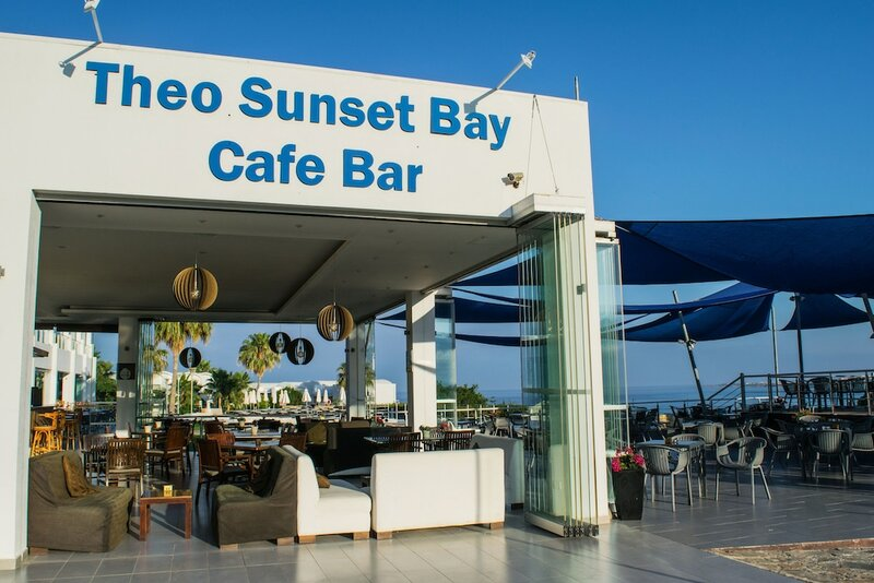 Theo Sunset Bay Holiday Village