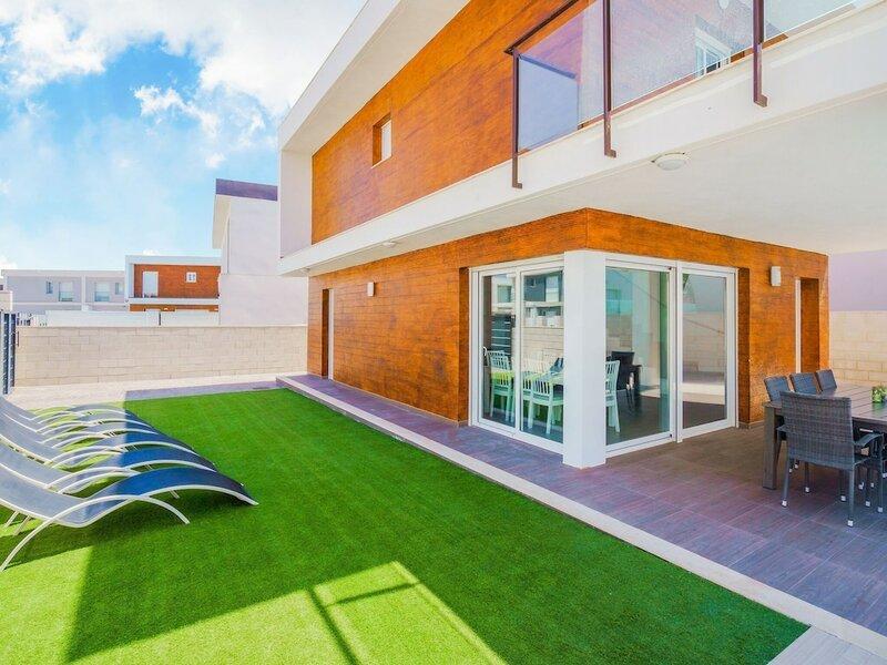 Splendid Villa in Gran Alacant With Private Swimming Pool