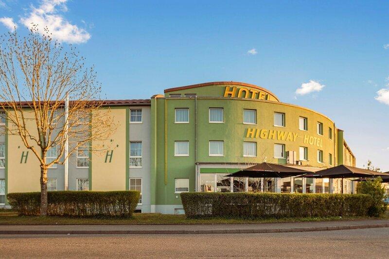Highway Hotel
