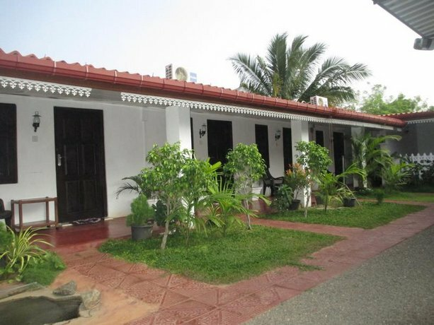 Uppuveli Beach House