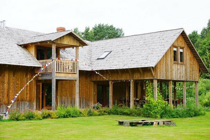 Piza Guest House & Campsite
