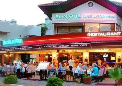 Bonjour Hotel & Apartments