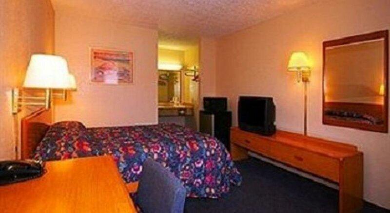Regency Inn & Suites Bay City