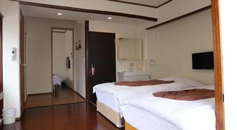 Izu 4 sea ocean reinforced con Double bed + single bed shared bathroom