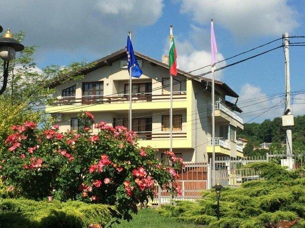 Hotel Barba Yani