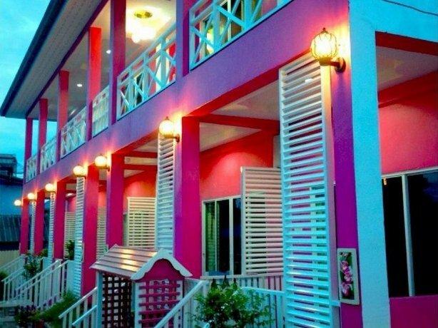 Mooham at Koh Larn Resort