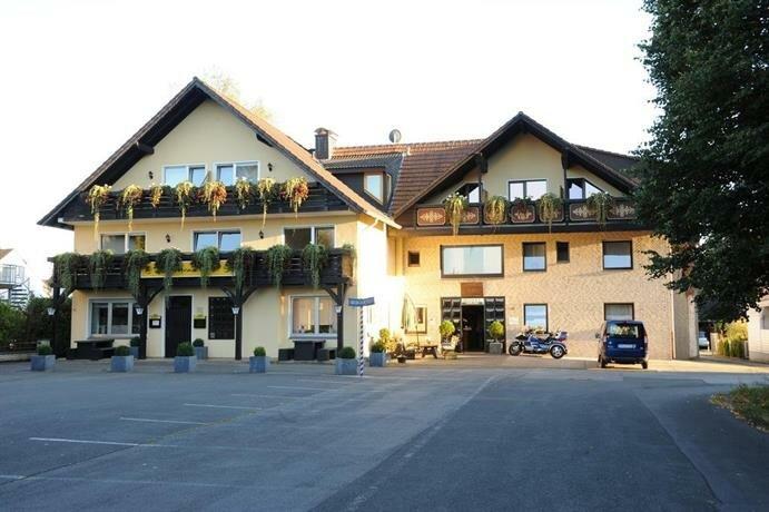 Hotel Garni Zum Grunen Baum