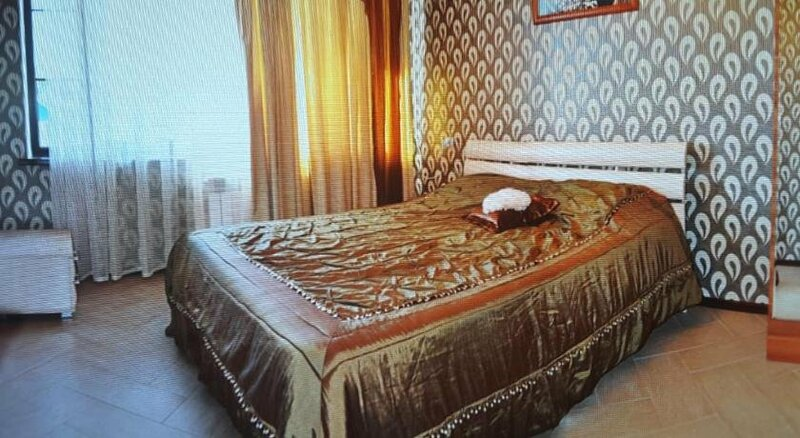 Guest House Rozoviy Ray