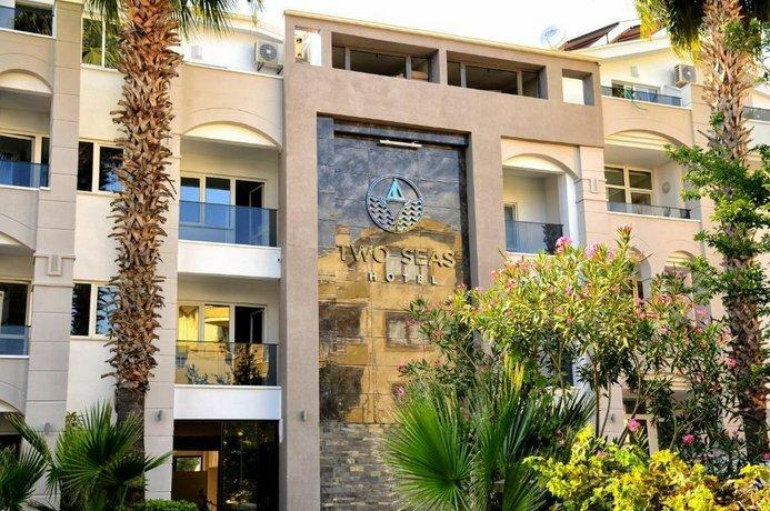 Two Seas Hotel