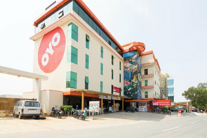 Oyo 15965 Hotel Nandi Gateway