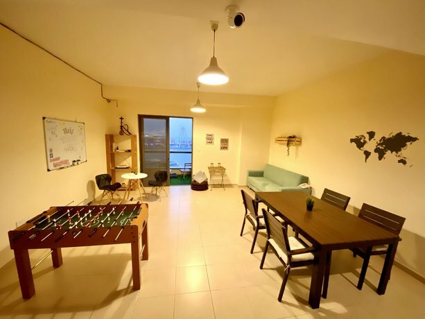 Хостел Bombay Backpackers Dxb