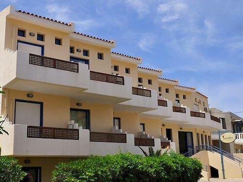 Yacinthos Hotel-Apartments