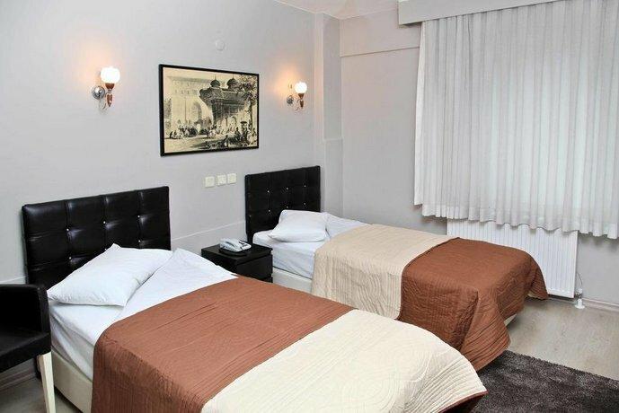 Tanin Hotel