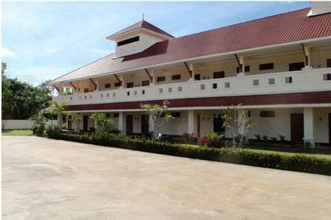 Lake Villas Resort Bang Lamung