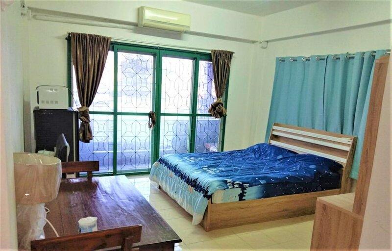 Cozy Rooms @ Bitcoin Bistro